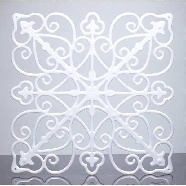 KL905 White